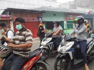 PNNB Desa lumban dolok bagi-bagi masker di lintas sumatera utara,kecamatan siabu