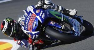 Lorenzo menjadi yang tercepat di seri terakhir MotoGP Valencia.