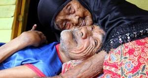 Foto Mengharukan Kasih Ibu Sepanjang Masa
