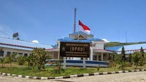 Warga Tiga Desa Mengadu ke DPRD Madina