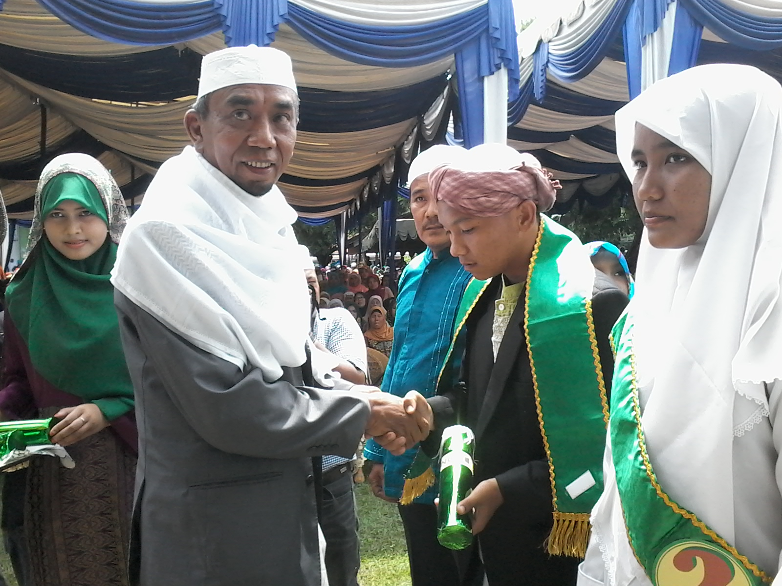Ponpes Musthafawiyah Purba Baru Tamatkan 608 Santri