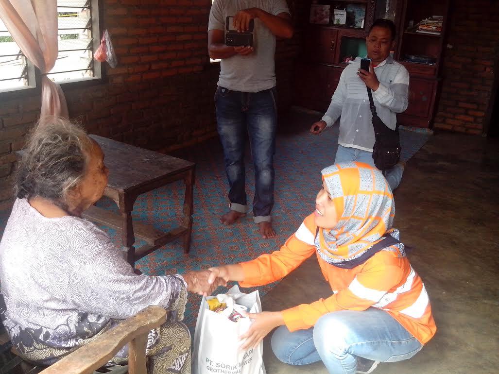 PT SMGP Bagi Bagi Sembako di 3 Kecamatan