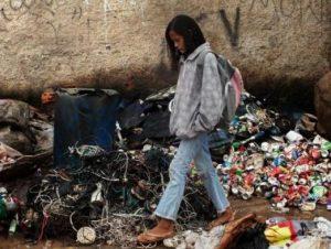 ekonomi-venezuela-makin-memburuk-warganya-harus-terbang-ke-as-demi-tisu-toilet