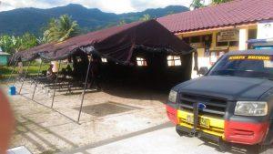 Polisi melakukan penjagaan di daerah Perbatasan Tapanuli Selatan dan Mandailing Natal