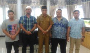 Perwakilan Pengurus Koni Mandailing Natal usai melakukan audiensi  dengan Wakil Bupati M. Jakfar Sukhairi Nst dalam rangka rencana pelantikan kepengurusan Koni Mandailing Natal yang baru.