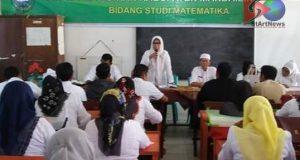 Dispen Madina Berikan Pembekalan kepada Guru Matematika SD