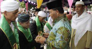Bupati Madina Hadiri Penamatan Santri Musthafawiyah Purba Baru Tahun Pelajaran 2016/2017