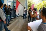 Diduga Menyalahgunakan Wewenang, Masyarakat Payabungan Barat Demo Camatnya Sendiri