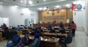 Bupati Jawab Pertanyaan Atas Pandangan Umum Fraksi Terhadap Nota Pengantar RAPBD T.A 2018