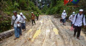 Potret Santri Ponpes Subulussalam dalam Berdakwah : Berjalan Hingga Puluhan Kilometer  Mengunjungi Desa Tertinggal