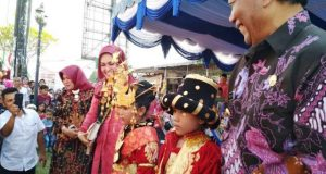 Karnaval Budaya dan Pembangunan Memeriahkan HUT Madina ke-19