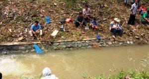 Mancing di Lubuk Larangan Anak Yatim Desa Iparbondar