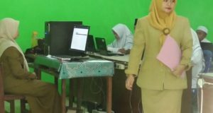 Pejabat Disdik Madina Tinjau UNBK Tingkat SMP dan MTsN