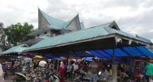 Ada Pasar Parbuko Di Pelataran Parkir Pasar Baru