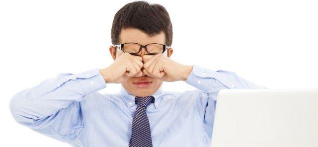 Bahaya Kebiasaan Mengucek Mata
