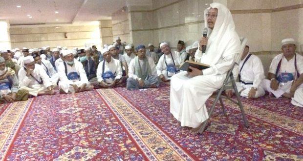Dr. Fahmi, Guru Shaulatiyah Makkah Kunjungi Jemaah Madina