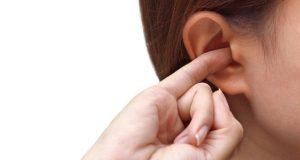 4 Cara Mengatasi Telinga Gatal yang Aman dan Efektif Selain Digaruk