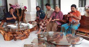 Bupati Madina Upah-upah Kadis Sosial dan 3 Wartawan TV Terkena Longsor
