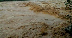 Curah Hujan Tinggi, Sungai Batang Natal Meluap