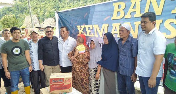 Keluarga Besar Bobby Nasution Bantu Korban Banjir Bandang Madina.