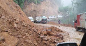 Jalan Propinsi Pantai Barat Madina Kembali Tertimbun Longsor