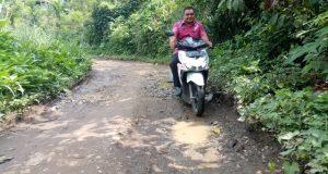 Warga Berharap Jalan Kabupaten Desa Handel Madina Diaspal