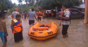 Sampai Sore Ini, Desa Huta Godang Muda Masih Terendam Banjir