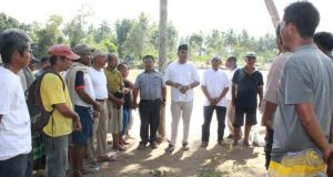 Hari ke 4, Ratusan Penjala Ikut Melakukan Pencarian Roni Riski yang Hanyut di Sungai Batang Gadis
