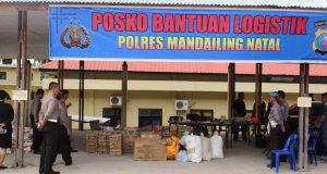 Polres Madina Salurkan Bantuan Korban Banjir Pantai Barat