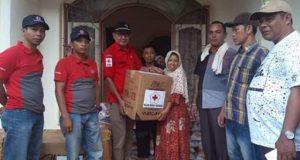 PMI Madina Salurkan Bantuan Kepada Warga Korban Banjir di Desa Huta Godang Muda
