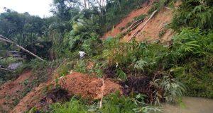 Longsor, Akses ke Tiga Desa di Kotanopan Putus Total