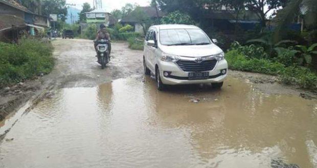 Jalan Kabupaten Hutabargot Butuh Perhatian Pemerintah