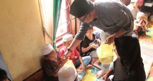 Peduli Terhadap Anak Yatim, Caleg PKB No.1 Santuni Anak Yatim Piatu dan Mohon di Doakan untuk Kesuksesan Pileg