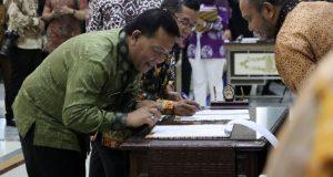 Disaksikan Ketua KPK ,Bupati Madina Tandatangani Penyelamatan Aset Dengan Badan Pertanahan Nasional (BPN)