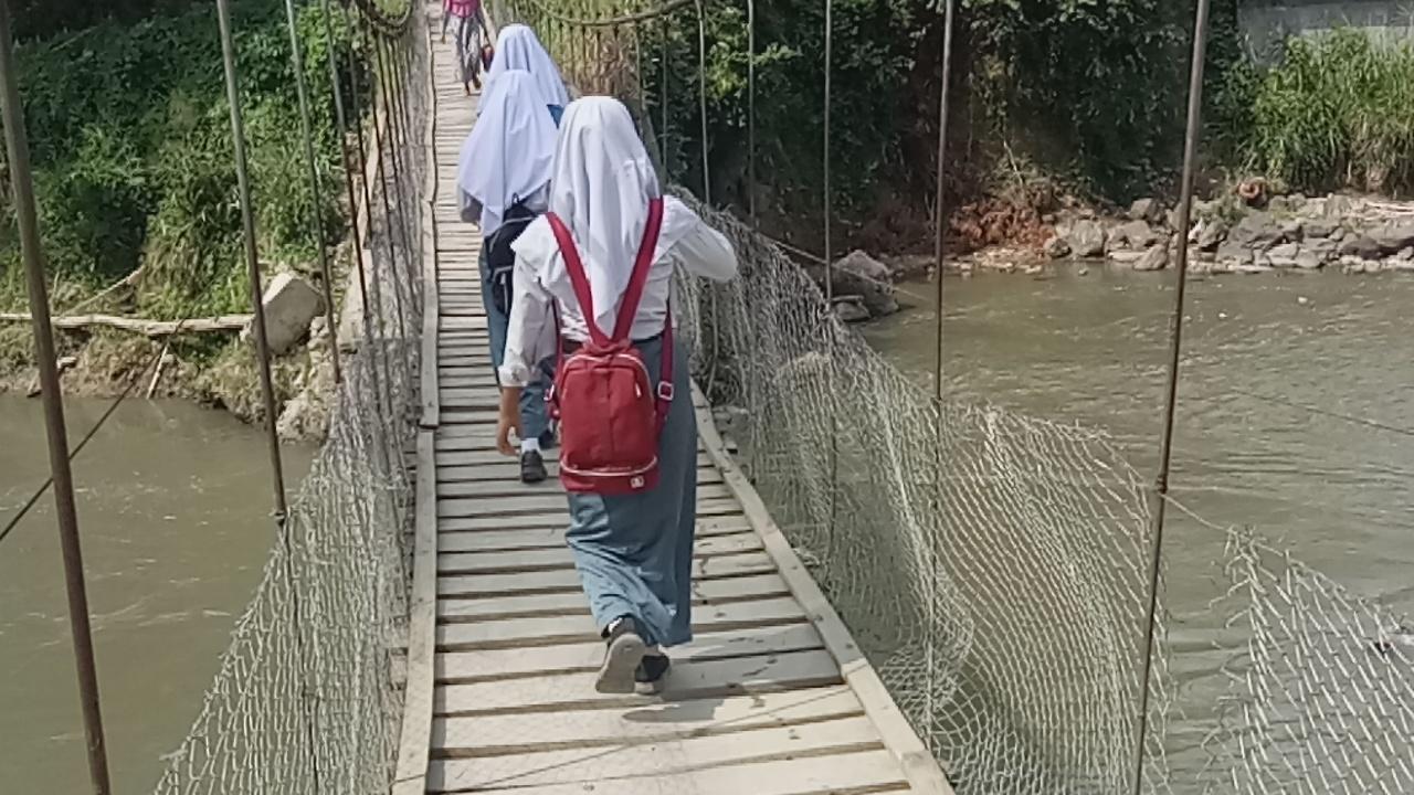 Pemkab Madina Didesak Bangun Jembatan – Laru Tambangan