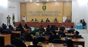 Lantunan Ayat Suci Alquran di Rapat Paripurna DPRD Madina