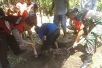 Jenazah Bayi yang Ditemukan di Irigasi Pidoli Lombang Dimakamkan