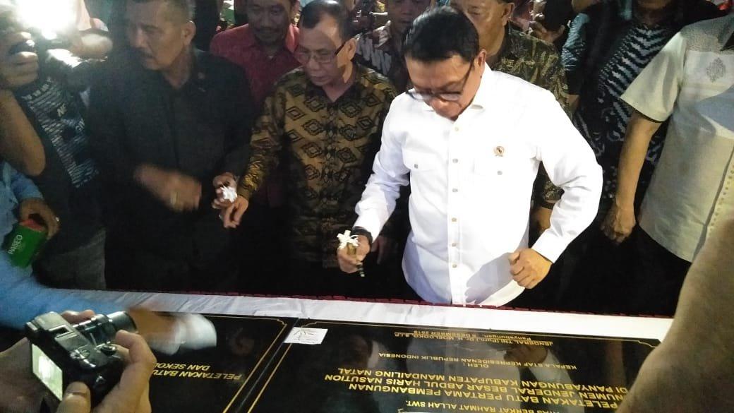 Moeldoko Letakkan Batu Pertama Monumen Jendral Haris Nasution