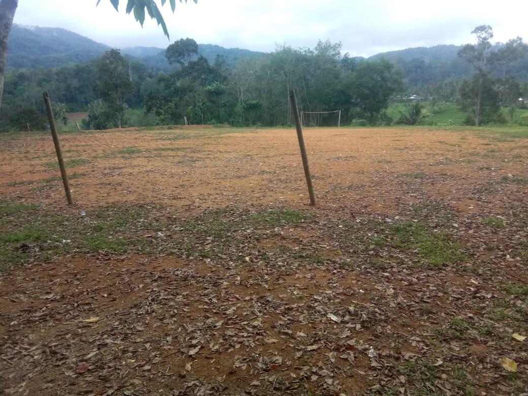 Pembangunan Lapangan Bola di Desa Manambin Dipertanyakan Warga