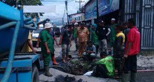 PUPR Madina dan Instansi Gabungan Inisiatif Perbaiki Drainase di Depan Pasar Baru
