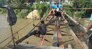 Titi Gantung Menuju 5 Desa Seberang Batang Gadis Kotanopan Diperbaiki