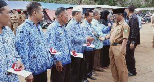 Korpri Madina Serahkan Tali Asih kepada Anggota yang Purna Tugas