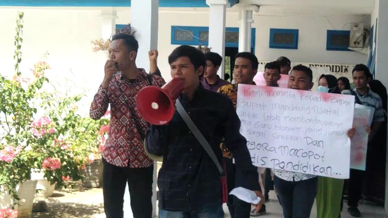 Bupati Diminta Copot Kadis Pendidikan yang Tahan Gaji Honor TKS Madina