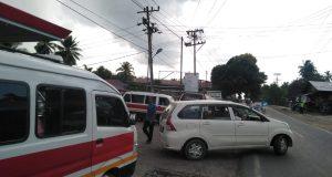 Blokade Jalan Rugikan Supir Angkot