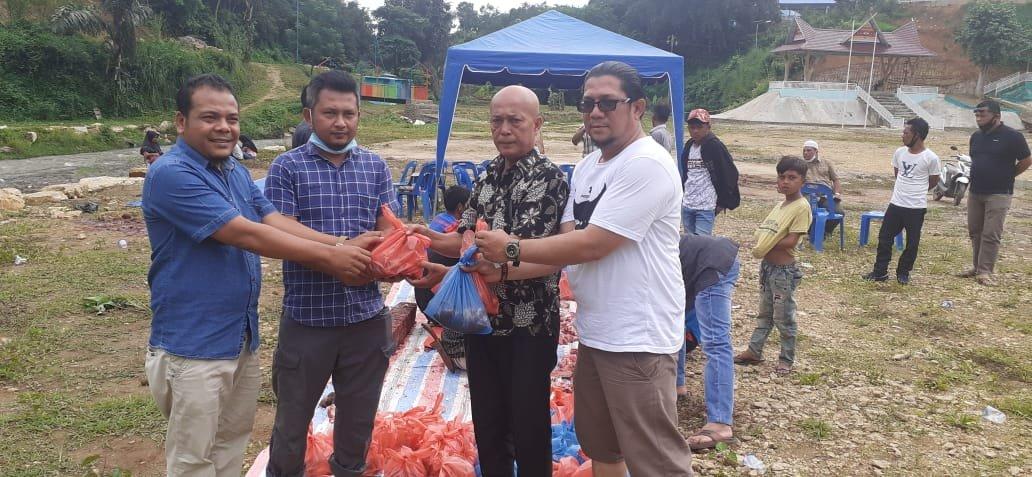 Bupati Madina Berbagi Hewan Kurban kepada Wartawan