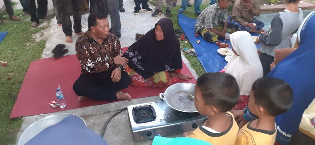 Bupati Madina Ajari Emak-Emak Bukit Malintang Buat Selai Durian