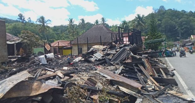 Dua Unit Rumah Ludes Terbakar di Kotanopan