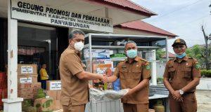 Bantu Pemulihan Ekonomi, Disperindag Salurkan Bantuan Gerobak untuk Pelaku UMKM di Madina