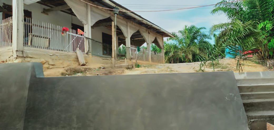 Pemdes Gunung Godang Rampungkan Rabat Beton 100 Meter