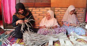 Atika: Industri Berbasis Bahan Baku Harus Tumbuh di Madina